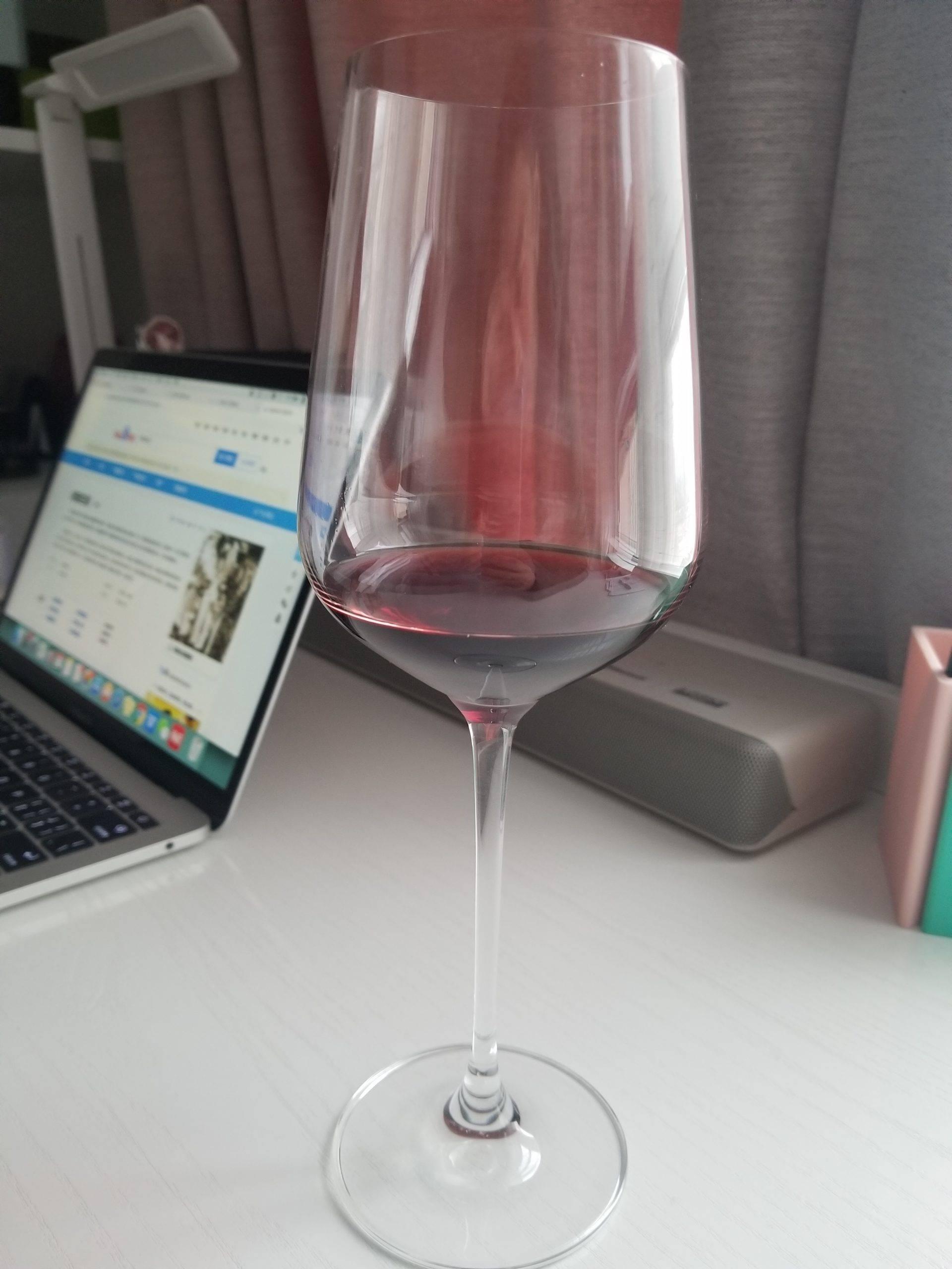 入手Lucaris动感香港红酒杯